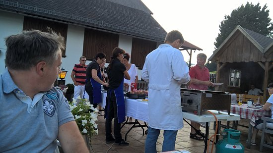 Hinterstoder, Østerrike: Once a week barbecue with the family Berger