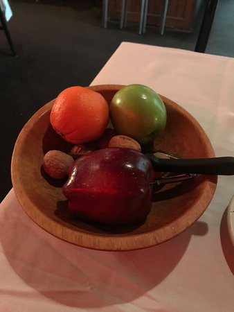 Allen Park, MI: fruit offered to all after dinner!!!!!!!!