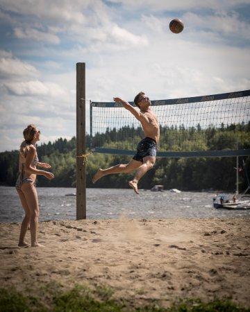 Lac-Megantic, Canada: Volley-ball à la plage