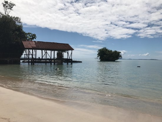 Isla Popa, Panama: The beautiful beach at Popa Paradise Resort