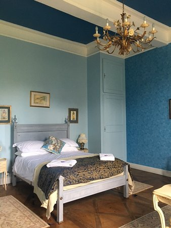Tarn-et-Garonne, Frankrig: The blue room - the bathroom in this room is fully updated and really nice!