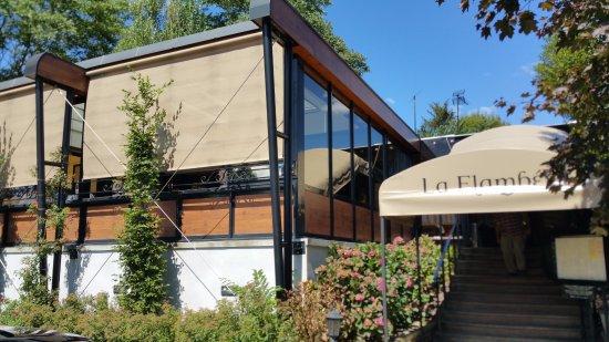 Tournus, France: Entrée du restaurant