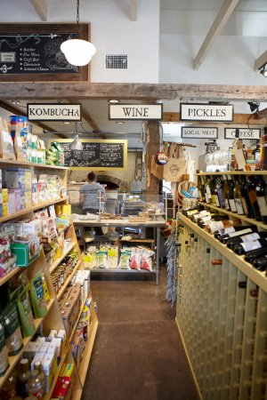 Peru, VT: A Nice selection of wine, specialty foods and supplies.