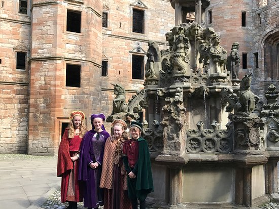 Linlithgow, UK: Wonderful tour guides!