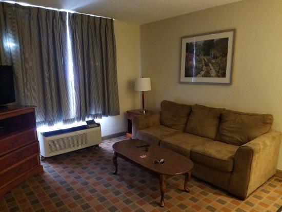 Baymont Inn & Suites Peoria : 20170817_133743_large.jpg