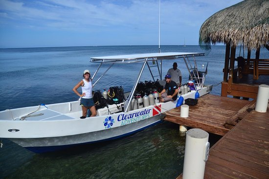 West Bay, Honduras: Our boat