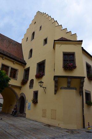 Town Hall: Außenansicht