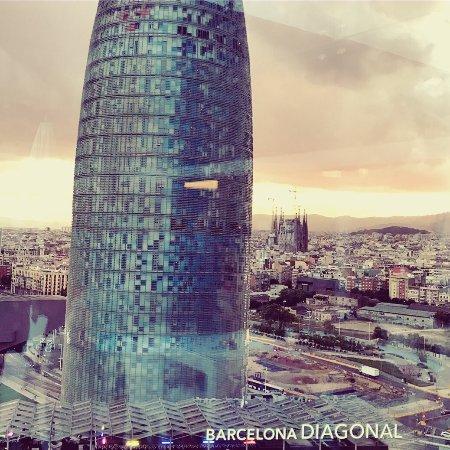 Novotel Barcelona City: Le dernier étage avec Piscine, bar, tapas, superbe terrasse et superbe vue ! Inoubliable ♥️