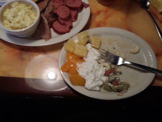 Emory, Техас: WIFE SALAD AFTER HALF EATEN