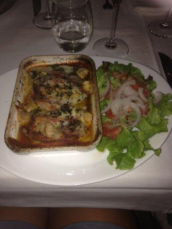 Lavatoggio, France : Gratin mozza, fromage corse , charcuterie corse et tomates