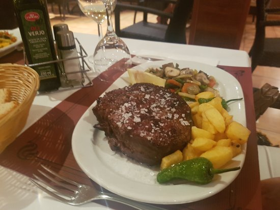 Sineu, España: TA_IMG_20170819_215758_large.jpg
