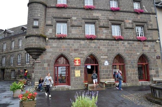 Office de tourisme de salers picture of office de tourisme de salers salers tripadvisor - Office du tourisme salers ...