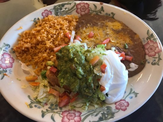 Moses Lake, واشنطن: El Rodeo is the bomb!  Great food and the service was outstanding . Authentic as it gets for Mex