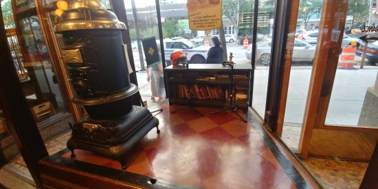 Window Display and Potbelly Sandwich Works in Evanston