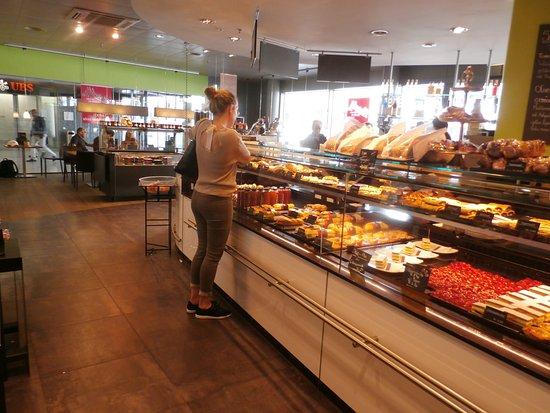 Wallisellen, İsviçre: Order and display counter