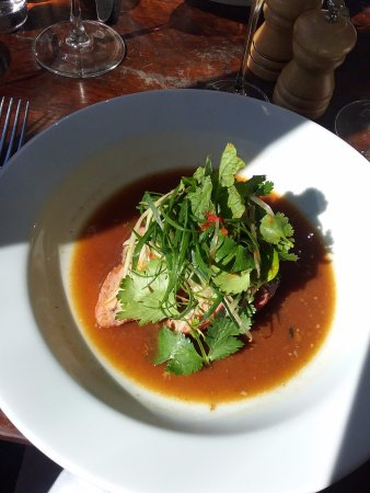Blackheath, Australië: Pork with Asian greens/herbs.