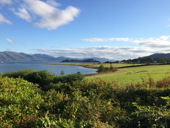 Airds Hotel & Restaurant: This was our view