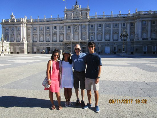 Private Madrid Museum Tours : The Royal Palace
