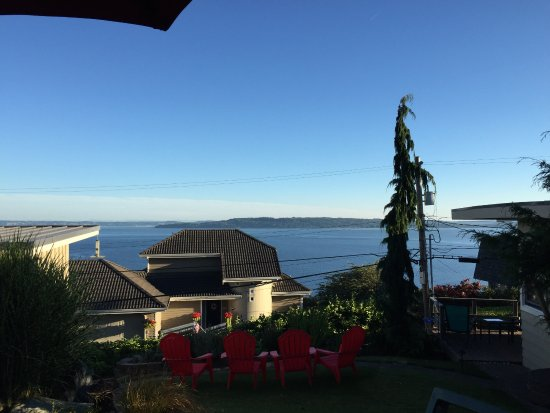 Burien, Waszyngton: View of Puget Sound from outside our Suite.