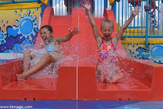 Bingemans Big Splash: Water slide fun