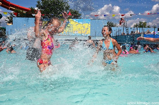 "Bingemans Big Splash: Wave Pool ""Big Splash"""