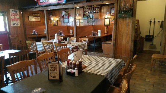 Tracy, Californien: Famous Dave's