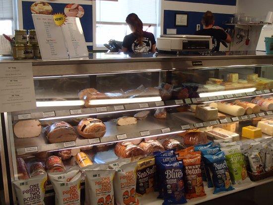 วาเลนไทน์, เนบราสก้า: Deli counter, Old Mill Bulk Food, Valentine, NE
