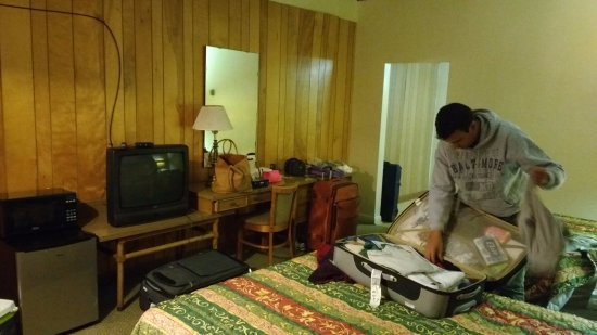 Village motor lodge updated 2017 motel reviews for Village motor lodge smithfield nc