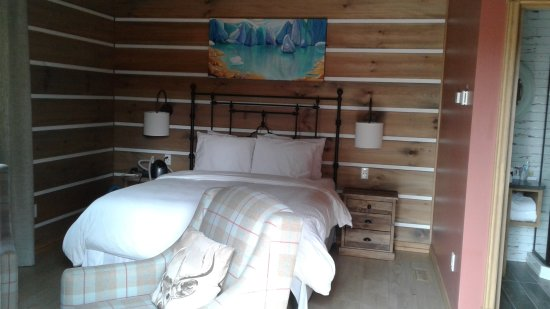 Bear Hill Lodge Photo