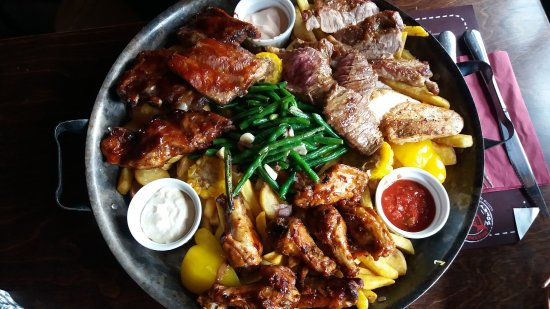 Frydek-Mistek, Tsjekkia: Parrillada El Paso for 4 persons