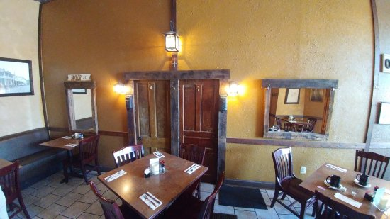 The Berryville Grille: Antique woodwork as decorations