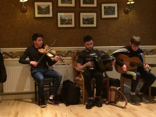 Kate Kearney's Cottage : These three young men were just OUTSTANDING