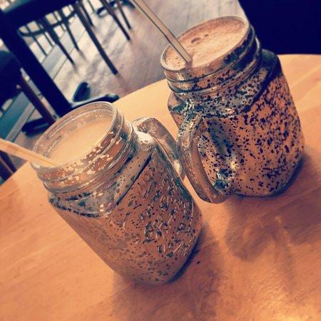 Heathfield, UK: Delicious milkshakes in great glasses!