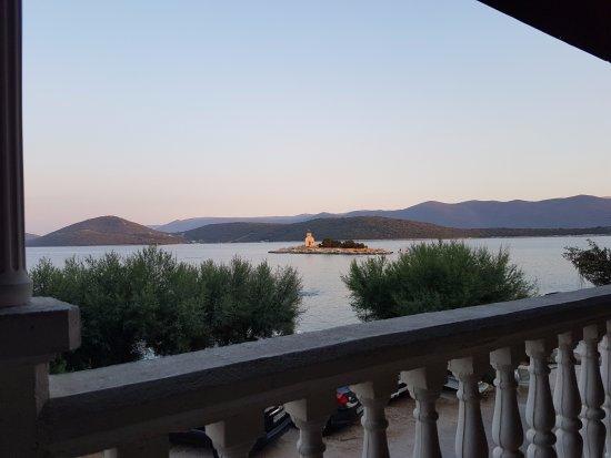 Klek, Croatia: widok na wysepkę