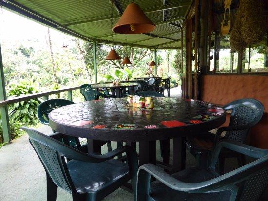Nuevo Arenal, Costa Rica: Patio Dining