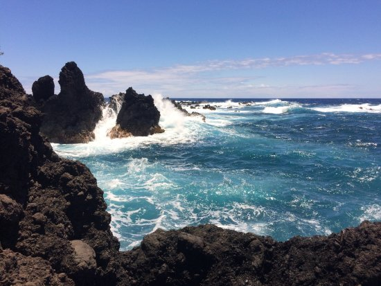 Laupahoehoe, HI: One of the beautiful views -- a great photo backdrop