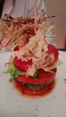 Dar Yacout: Gamberi e avocado con pomodori, Agnello al forno, polpette con zucchine