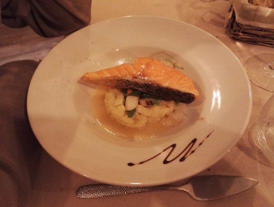 เกลลอน, ฝรั่งเศส: Diner - Plat