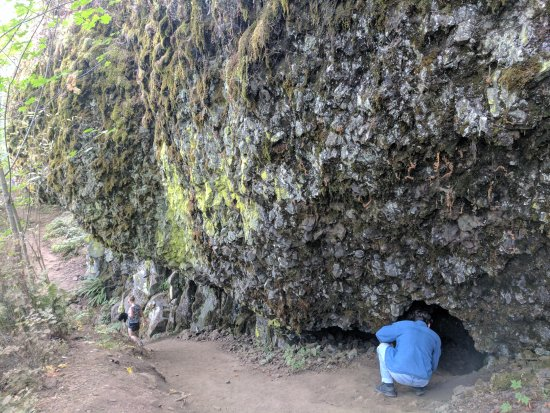 Troutdale, OR: Hike between the two falls