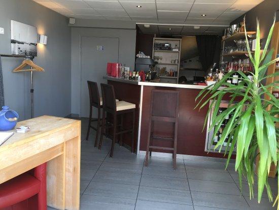 Lugrin, Frankrike: Le bar réception