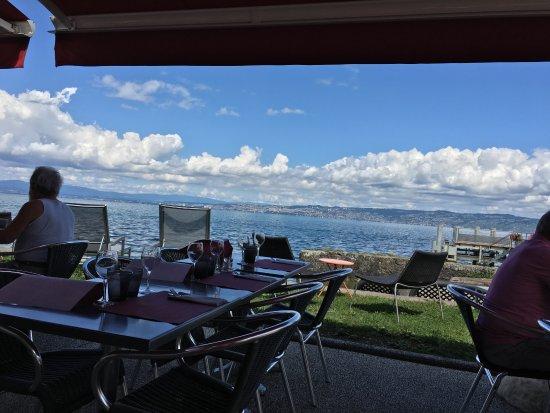Lugrin, Frankrike: La terrasse avec vue sur le lac Léman