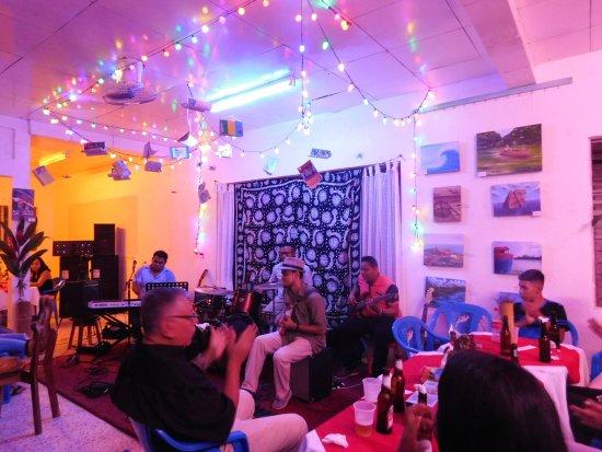 Waiku Arte y Diseno: Noche Cultural en Waiku Centro de Arte