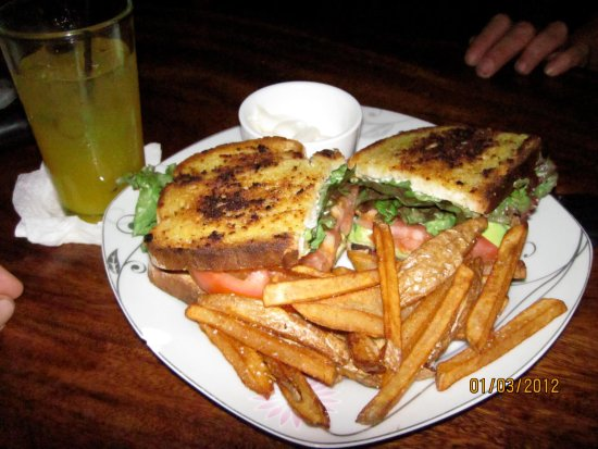 Playa Potrero, Costa Rica: BLAT- Bacon, lettuce, avocado and tomato sandwich with home cut French fries