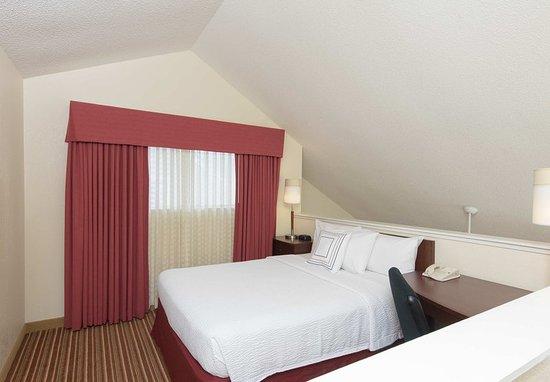 Deerfield, IL: Two-Bedroom Suite Loft