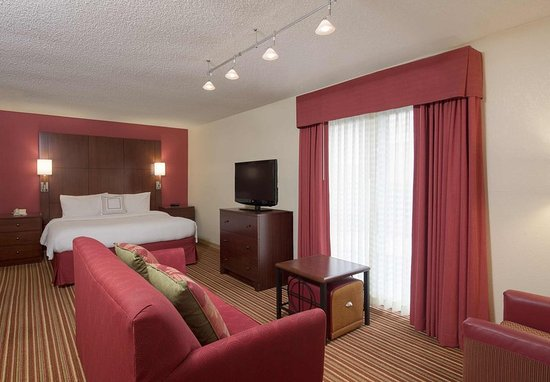 Deerfield, IL: Studio Suite