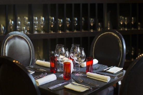 InterContinental Sydney: 117 Dining Setup