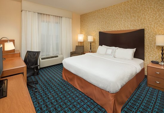 Cleveland, TN: King Guest Room