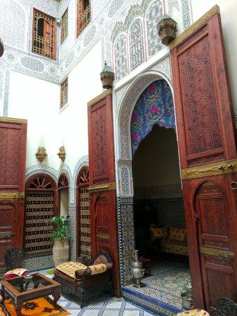 Riad Ibn Khaldoun : Lobby and breakfast area