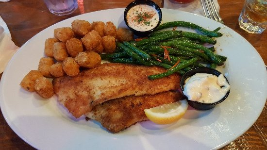 Hudson, WI: Walleye dinner :)