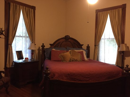 Crenshaw Guest House Bed & Breakfast: photo3.jpg
